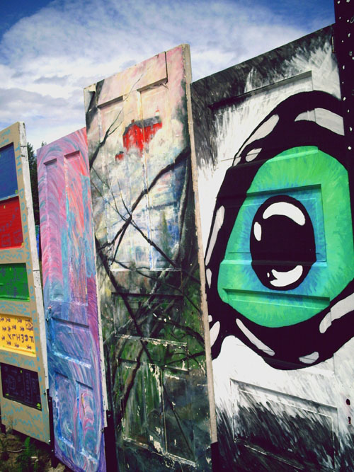 Wright Street Doors, I Got My Eye On You!, Photo Copyright Kim Nixon 2007